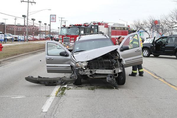 VEHICLE CRASH GRAND AVE EAST OF CHURCH ROAD (03-15-2011)