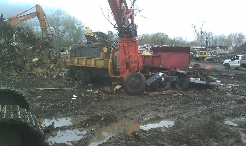 NPK M35K demolition shear on Doosan excavator-C&D recycling (14).jpg