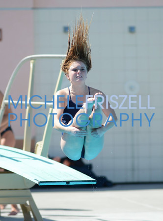 La Jolla High vs Valhalla High Girls Diving 3-15-18