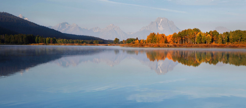 Morning scene at Oxbow Bend, Grand Teton mountains, Wyoming