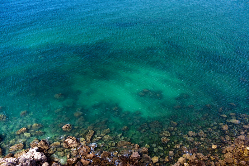 The Atlantic Ocean from a vantage point, town of Sagres, municipality of Vila do Bispo, district of Faro, region of Algarve, southwestern Portugal
