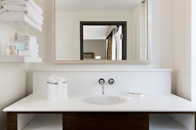 47-Guestroom Sink-Hampton Dallas.jpg