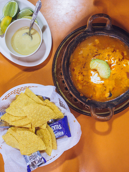 cazuela mariscos with crackers.jpg
