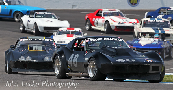 Corvettes at Indy SVRA June 2018