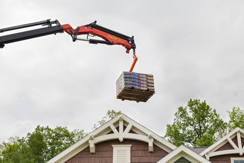 Palfleet Roofing Crane 17.jpg