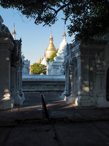 171812 Mandalay 2574.JPG