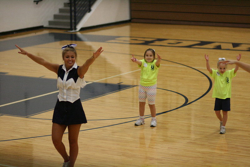 KHS Cheer Clinic 100.JPG