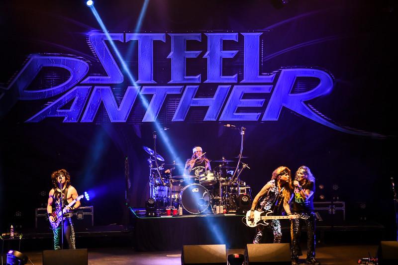 Steel Panther Jannus Live 201900268.jpg