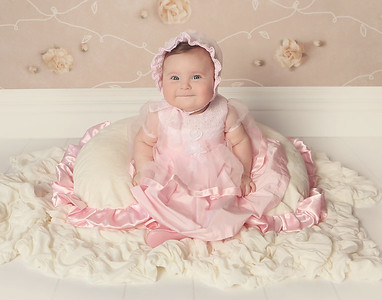 Lily's 6 Month Session