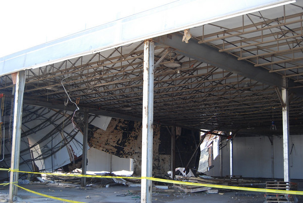Froststar roof collapse Kelly Rd Salem, NH 2-08