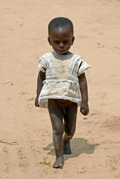 070104 3581 Burundi - Bujumbura - Neighbourhood near Peace Village _E _L ~E ~L.JPG