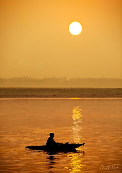 sunrise_on_gangesd.jpg