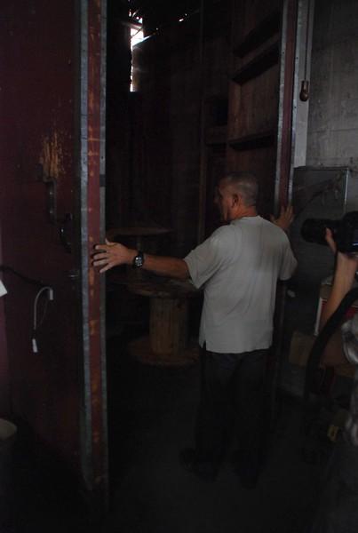 2010, Entering Back Room