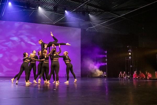 Hal 6 Dance