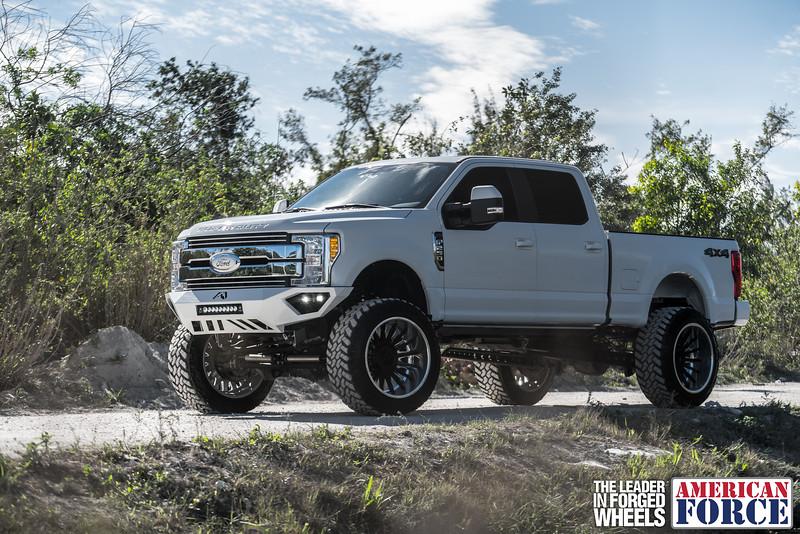 Champion4x4-Juan.S-White-2017-Ford-F250-Polish-Black-24x14-Tactical-Crown-WEB-180131-DSC00228-51.jpg