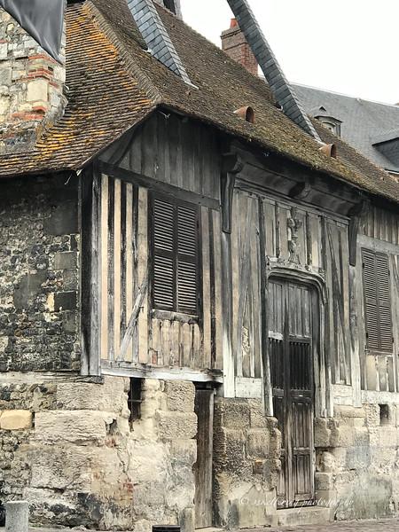 france19-1144.jpg