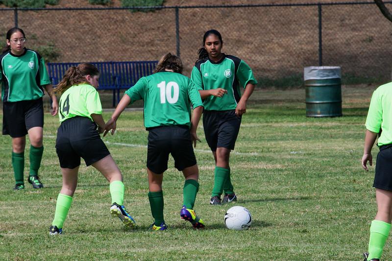 Soccer2011-09-17 11-26-28.JPG