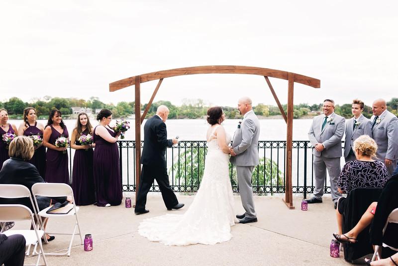 chateau-on-the-river-trenton-michigan-wedding-0265.jpg
