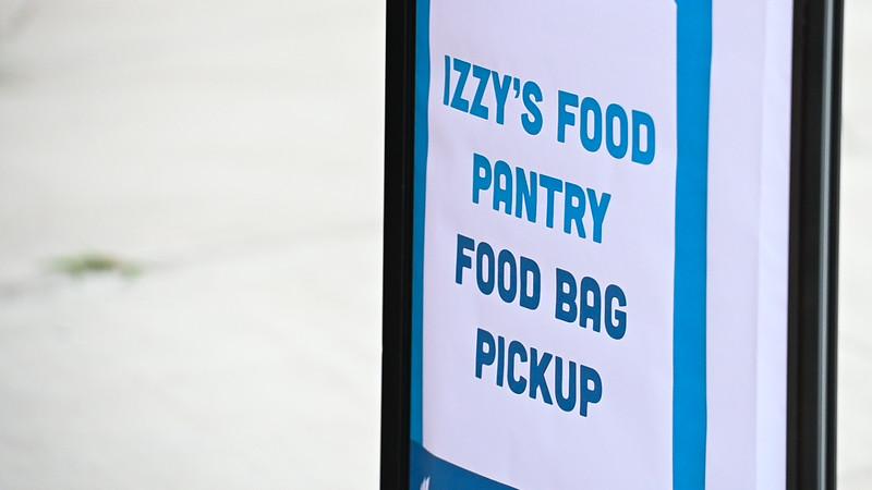 20200402-FoodPantryPickUp-5689.jpg