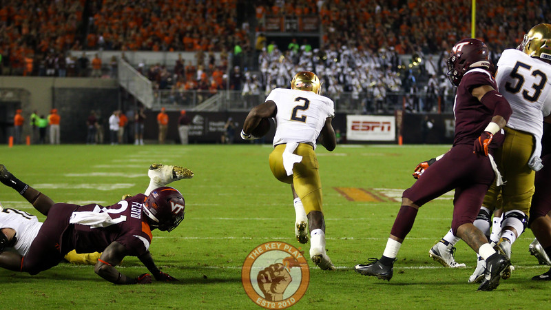 Notre Dame RB Dexter Williams finds an open hole for a 97 yard touchdown run in the third quarter. (Mark Umansky/TheKeyPlay.com)