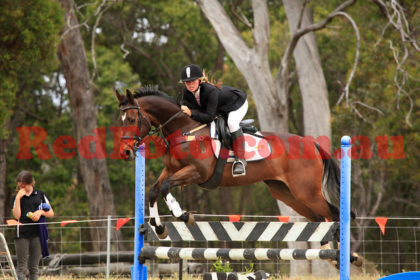 2011 11 13 Chidlow ShowJumping 1-0m-1-05m