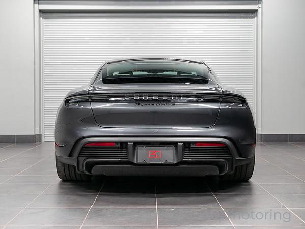 '20 Taycan Turbo S - Volcano Grey Metallic