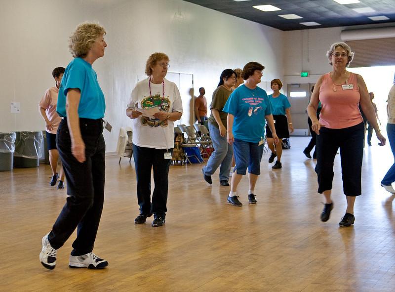 5536 Dancers med.jpg