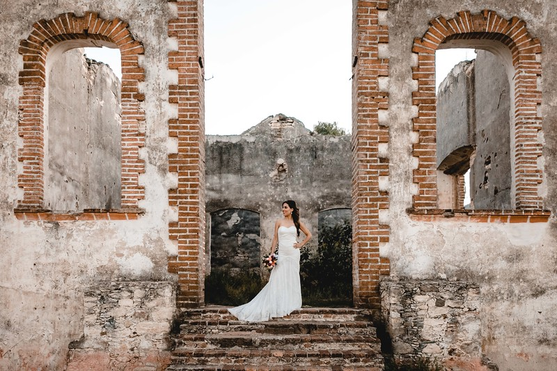 P&H Trash the Dress (Mineral de Pozos, Guanajuato )-115.jpg