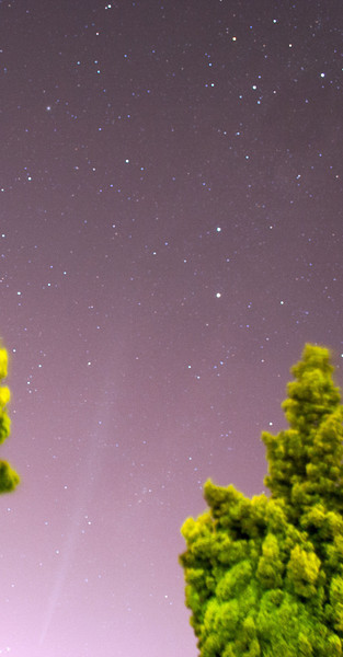Comet Lovejoy below the Southern Cross - 26/12/2011 (Processed image)