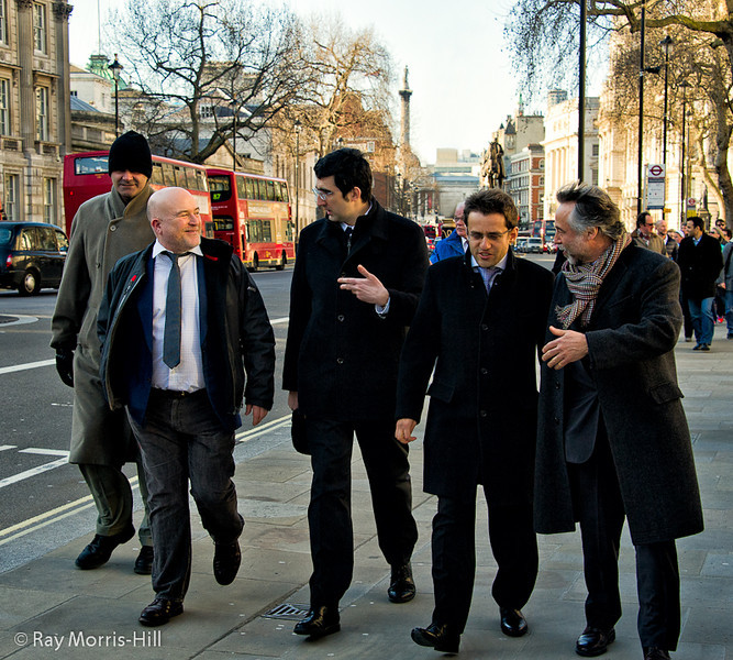 Chess players go walkabout in London: from left to right: Arbiter Adam Raoof, Andrew Paulson, Vladimir Kramnik, Levon Aronian and chess set designer Daniel Weil