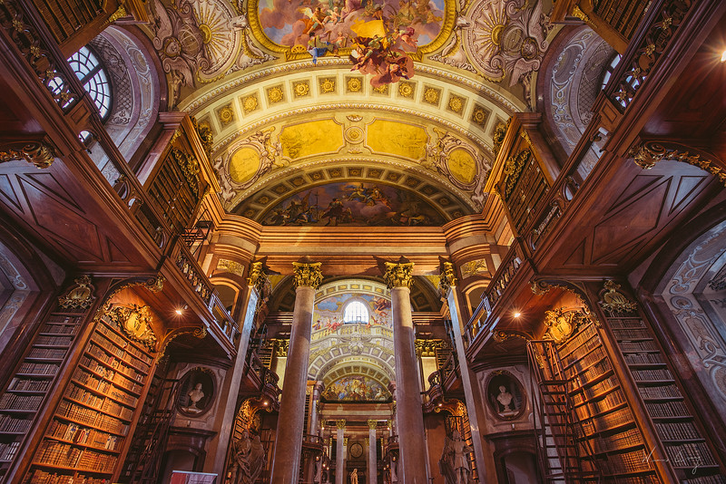 Vienna-Biblioteck-2.jpg