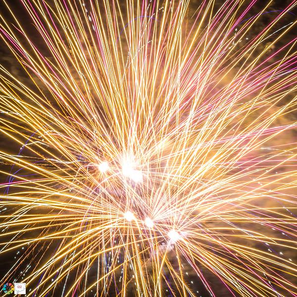 G52GamesleyFireworks-Nov18 (45 of 54).jpg