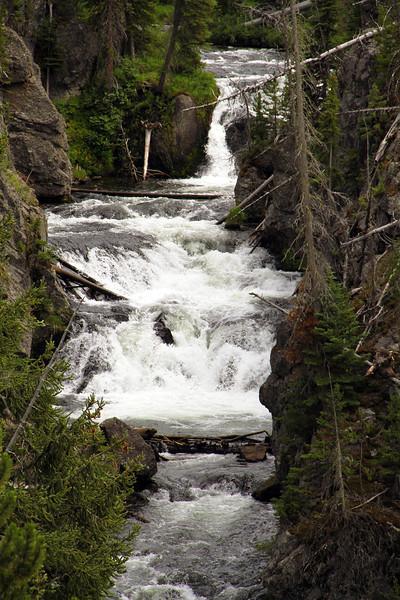 ayellowstonewaterfall3.jpg