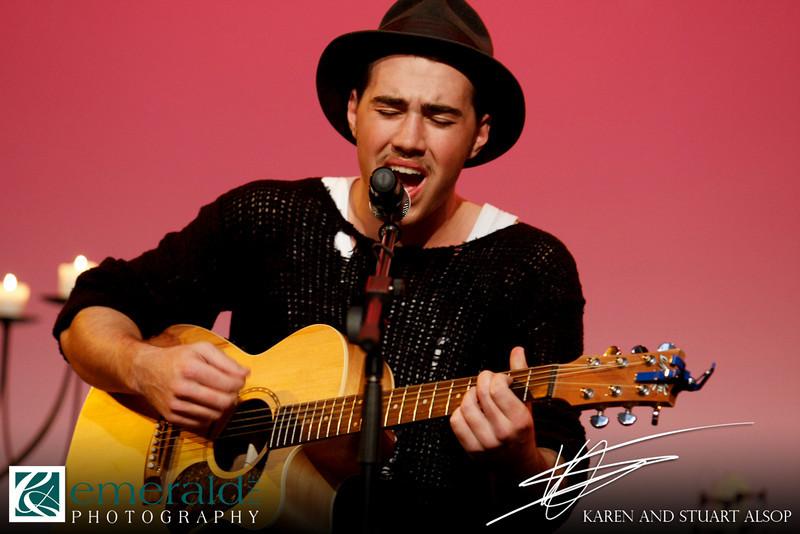 Matt Corby Concert