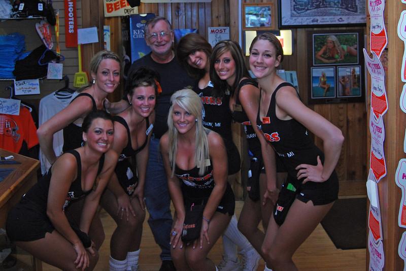 9002 Saginaw MI Hooter Girls.jpg