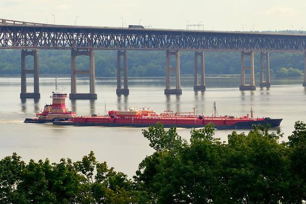 Reinauer twins / RTC 104 southbound  Newburg-Beacon Bridge 6 Aug 2012 11:00 hd hrs