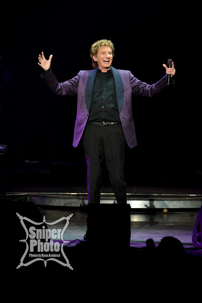 Barry Manilow - Louisville Palace - Sniper Photo-8.jpg