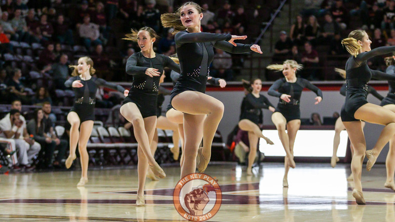 The Virginia Tech High Techs perform their nationals competition routine for the crowd during halftime. (Mark Umansky/TheKeyPlay.com)