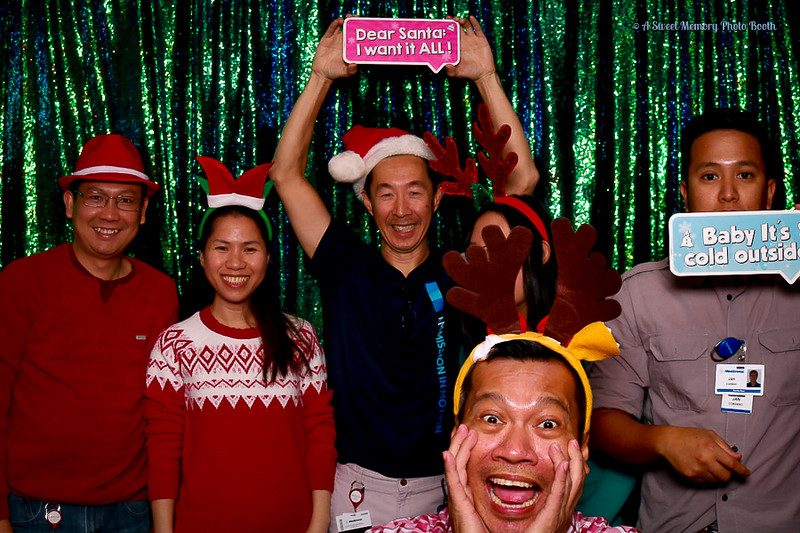 Medtronic Holiday Party -372.jpg
