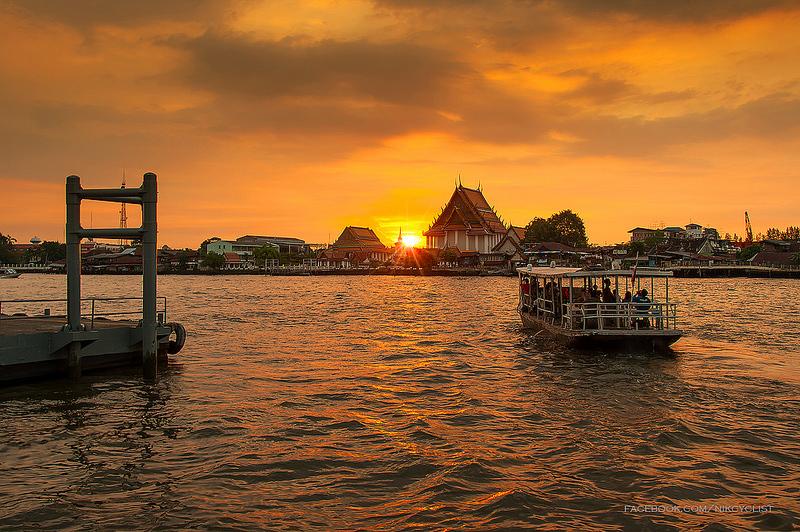 Bangkok sunset sightseeing