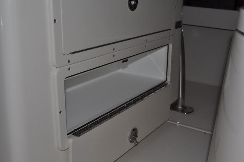 S248550-Console Aft Compartment Open