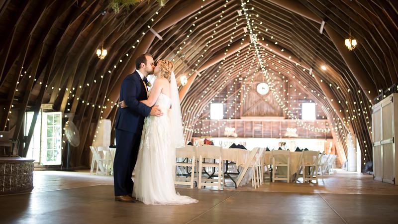 Garrett & Lisa Wedding (170).jpg