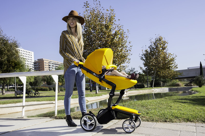 Mima-Yellow-Lifestyle-Walking.jpg