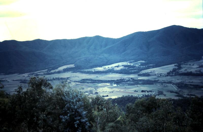 1961-3-26 (20) Kiawa Valley.JPG