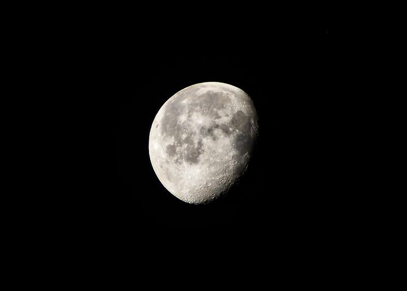 NEA_1218-7x5-Moon.jpg