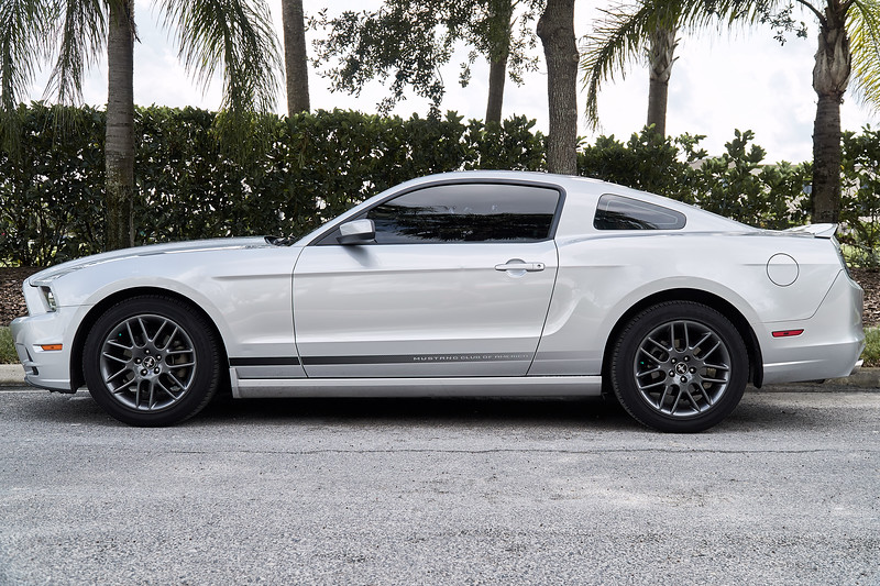 Mustang Premium