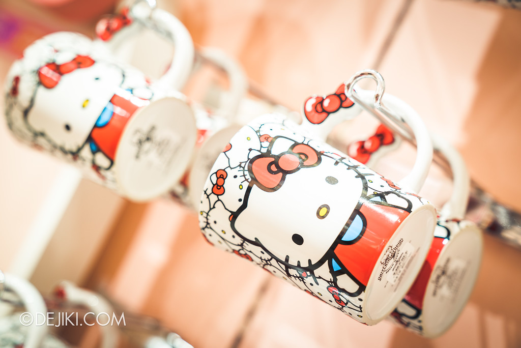 Universal Studios Singapore - Hello Kitty Studio store / Mugs