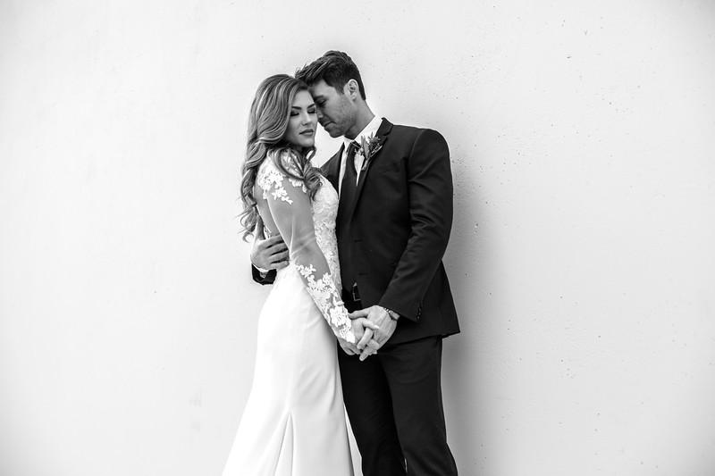 Kate&Josh_B&W_ZACH.WATHEN.PHOTOGRAPHER-243.jpg