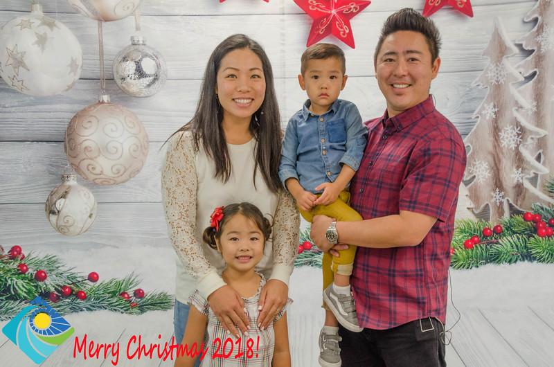 Christmas Photobooth 2018 Sunday-095.jpg