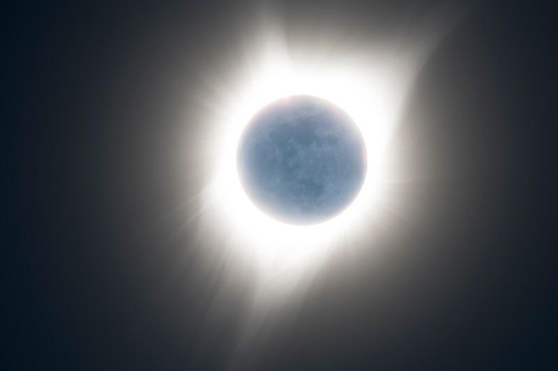 eclipse amb earthshine.jpg